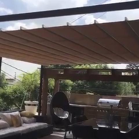 P rgola de acero con toldo abatible impermeable p rgolas terrazas y roofgardens por materia - Pergola impermeable ...